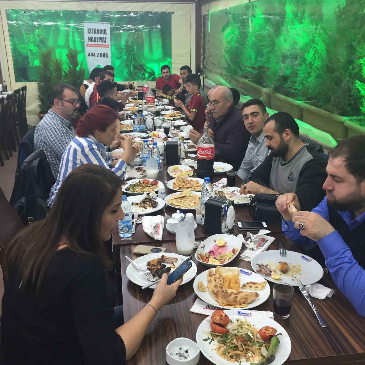 İstanbul Eşya Depolama şirket yemeği